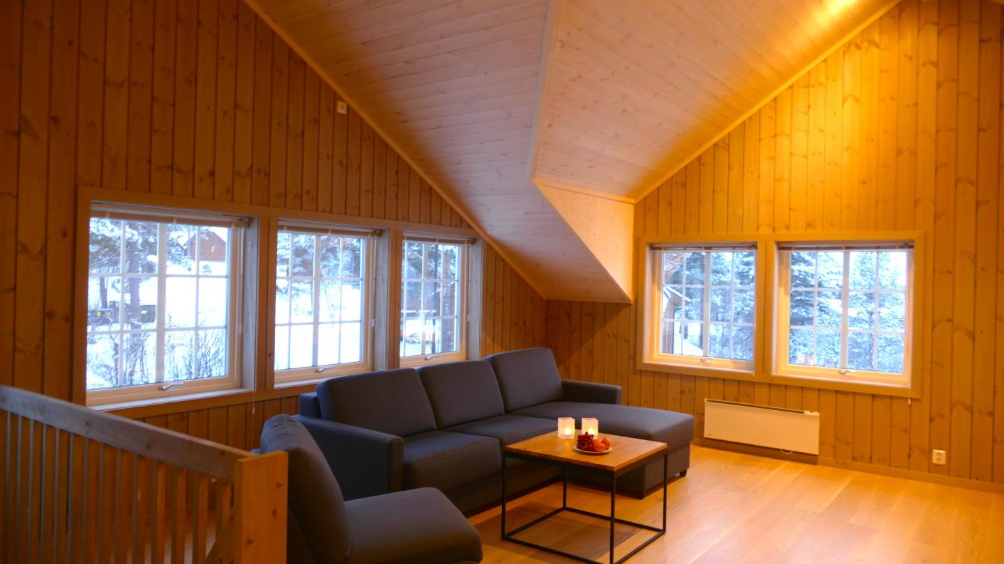 Stue 2.etg i 12sengs Superior hytte / Living area on first floor in 12bed Superior Cabin